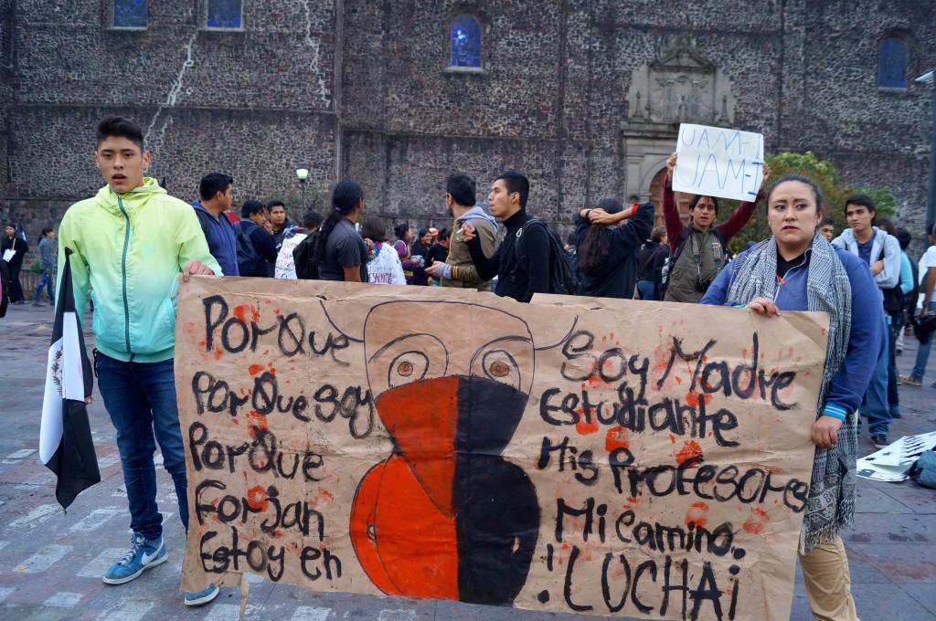 Marcha por Ayotzinapa, noviembre 20, 2014 - Foto: Jesús Gómez Abarca